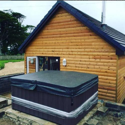 Holiday home hot tub